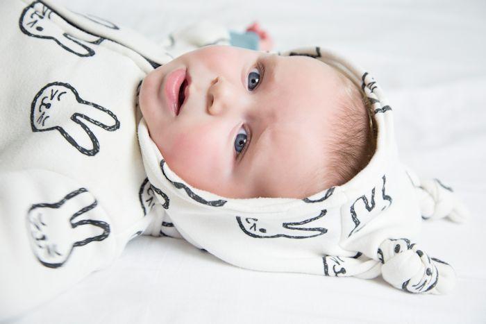 Baby onesie by Sewingridd. Picture by Maaike Hogebrug Fotografie