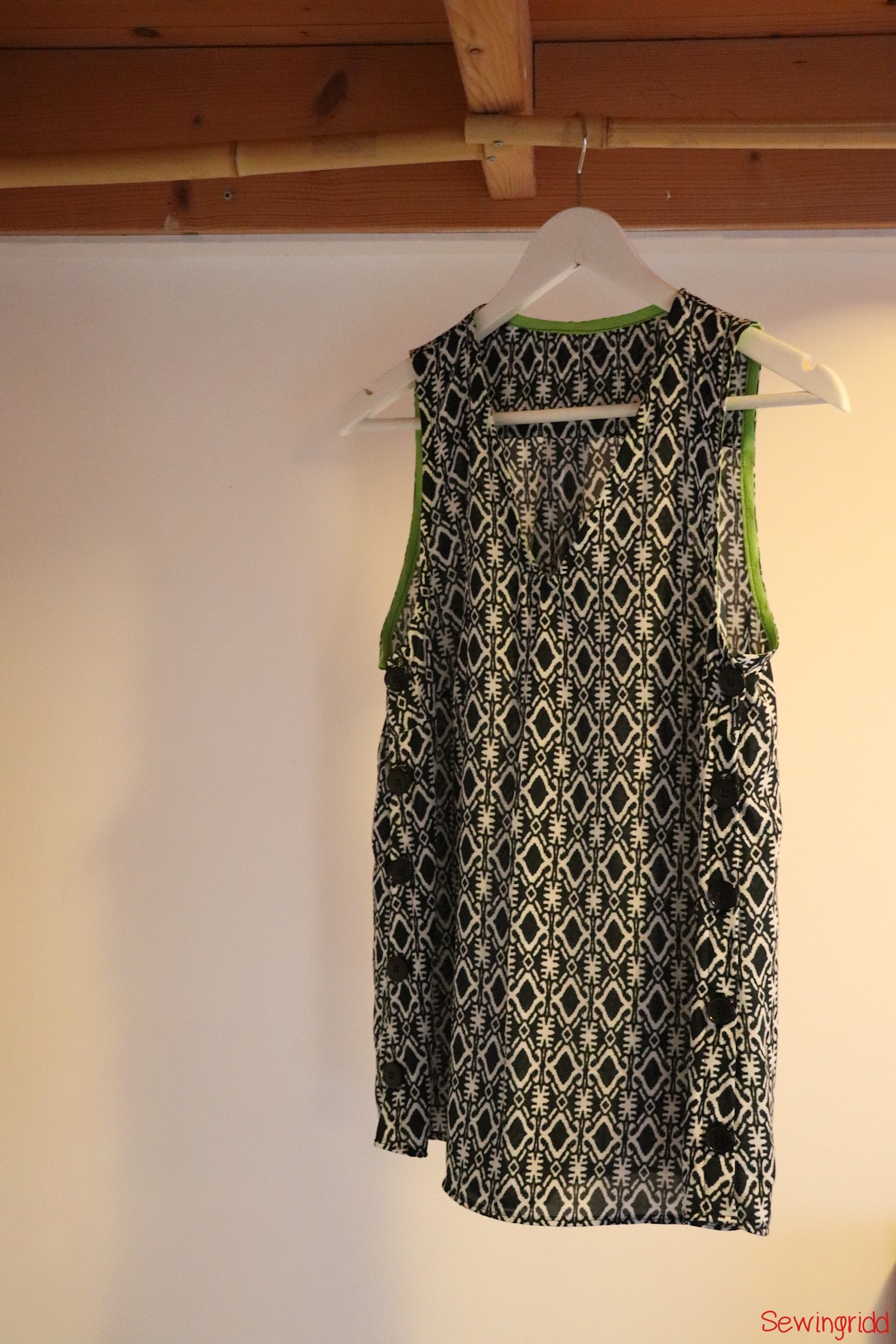 Freshly rereleased Tula dress pattern by Laela Jeyne Patterns, sewn by Sewingridd